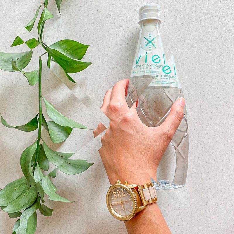 Agua con colageno